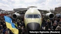 Самолет Aн-178, одно из достижений концерна «Антонов»