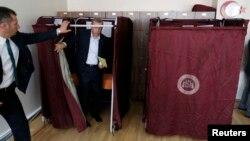 Түркия президенті Режеп Тайып Ердоған Стамбулдағы сайлау учаскесінде. 7 маусым 2015 жыл.