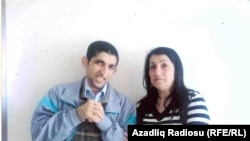Солмаз Аббасова со своим сыном. 22 апреля 2013