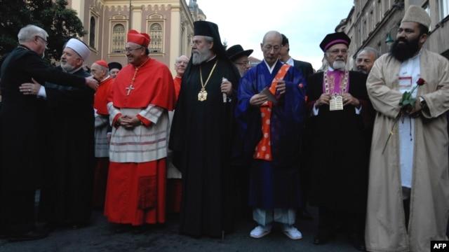 February 1-7: World Interfaith Harmony Week.