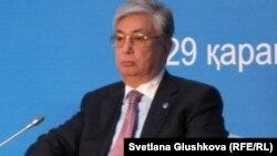 """Касым-Жомарт Токаев на мероприятии """"Назарбаевские чтения"""" в Астане. 29 ноября 2012 года."""