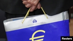 Greece is expected to receive 12 billion euros from the eurozone