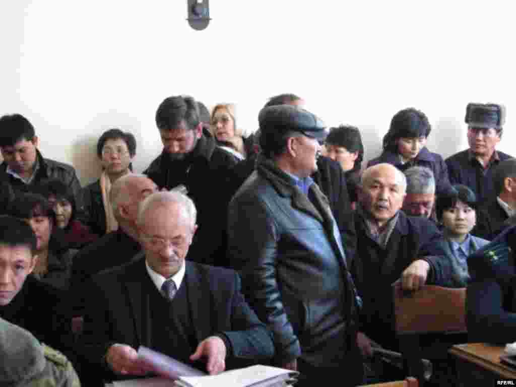 Сотто И.Кадырбековдун таламын адвокаттар тобу коргоодо - Kyrgyzstan -- A Trial of the Former Minister Ishenbay Kadyrbekov, Bishkek 20nov2008