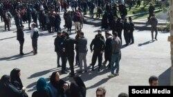 صحنهای از اعتراضهای در ایلام در دومین روز از اعتراضها