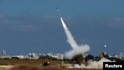 بخشی از سامانه دفاع موشکی گنبد آهنین در نزدیکی اشدود در جنوب اسرائیل
