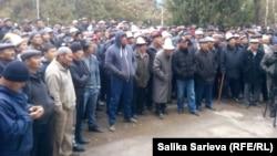 Митинг в селе Кызыл-Адыр. 15 октября.