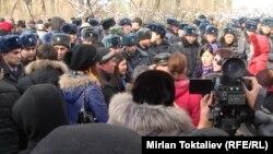 Акция протеста у СИЗО № 1. Бишкек, 16 января 2012 года.