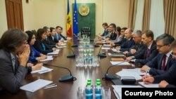 O delegație FMI la Chișinău...