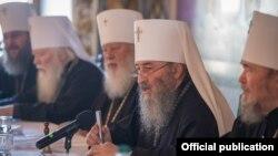 Собор єпископів Української православної церкви (Московського патріархату). У центрі – митрополит Онуфрій, глава УПЦ (МП)