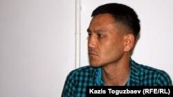 Старший лейтенант войсковой части 12740 Батыржан Мерманкулов. Алматы, 19 августа 2014 года.
