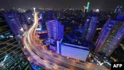 Кытайда экономиканын өсүү ыргагы 2014-жылы да басаңдаганы байкалды. Шанхай, Кытай, 9-январь, 2014-жыл