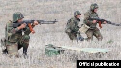 Exchanges of fire between Azerbaijani and Armenian forces on the Karabakh frontline have become more frequent in recent days.(file photo)