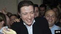 Сам Угуглава пообещал как можно скорее встретиться с Саакашвили и обсудить негативные процессы, которые происходят в партии
