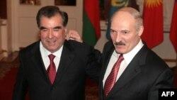 Э.Рахмон і А.Лукашэнка ў Маскве, 2009. Архіўнае фота