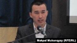 Zhаnaoi.kz сайтының авторы Нұрлан Жанай. Астана, 23 желтоқсан 2012 жыл.