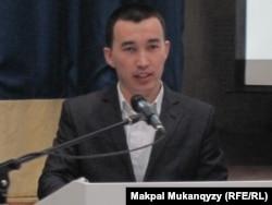 Naqyl.kz сайтының авторы Нұрлан Жанай. Астана, 23 желтоқсан, 2012 жыл