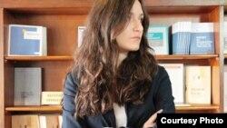 Mоника Божиноска, Проектен координатор во Младински образовен форум.