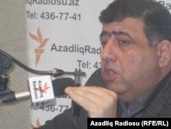 """Orxan Fikrətoğlu Azadlıq Radiosunun """"Pen klub"""" proqramında"""