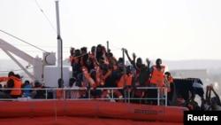 Brod organizacije Lifeline prevozi afričke migrante