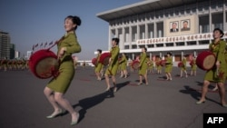 Парад барабанщиц в Пхеньяне.