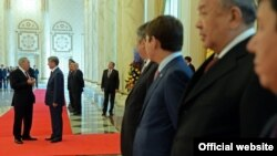Алмазбек Атамбаев Казакстанга өткөн жылдын ноябрь айында барган