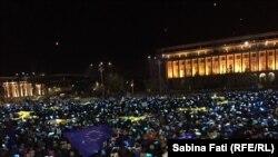 La demonstrația din Piața Victoriei