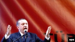 The Turkish government and its sharp-tongued leader, Prime Minister Recep Tayyip Erdogan, have steadfastly refused to try to build cooperation with the opposition.