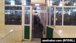Daşary ýurtly biznesmen Türkmenistanda pul problemasyndan kösenýär