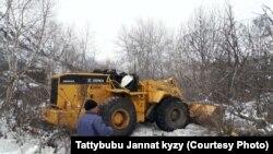 Жылдызбек Сейитбеков оодарылып кеткен техника каражаты.