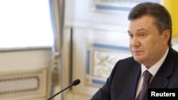 Янукович заявил, что признание Абхазии, Южной Осетии и Косово самостоятельными государствами нарушает международные нормы