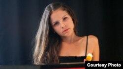 уња Иванова, пијанистка.