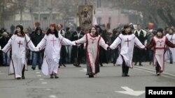 Gürcüstanda Pravoslavlar Milad bayramını qeyd edir