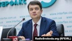 Разумков не впевнений, що українська мова сьогодні є головною проблемою українського суспільства