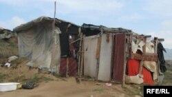 Руралната ромска населба Три Багреми во Прилеп.