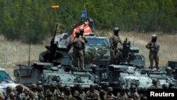 Македонски и американски војници на Криволак