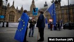 Pristalice ostanka Velike Britanije u EU demonstriraju ispred Parlamenta u Londonu, ilustrativna fotografija