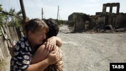 Многие югоосетинские СМИ публикуют заявление МИД относительно одобрения запроса прокурора МУС о расследовании преступлений, «совершенных в и вокруг Южной Осетии» в период с 1 июля по 10 октября 2008 года