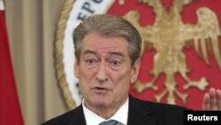 албанскиот премиер Сали Бериша