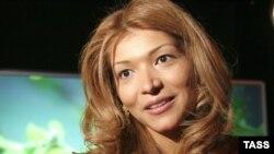 «Узбекская принцесса», как называют ее в стране, Каримова раздражает многих. Существует масса слухов о ее чрезмерной жестокости по отношению к бизнес-конкурентам, богемных привычках и стоящей за ней огромной бизнес-империи.
