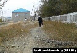 Мать уехавших «в Сирию двух казахских братьев-джихадистов». Жезказган, 24 октября 2013 года.