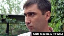Қазақстандық құқық қорғаушы Вадим Курамшин. Алматы, 19 шілде 2011 жыл.