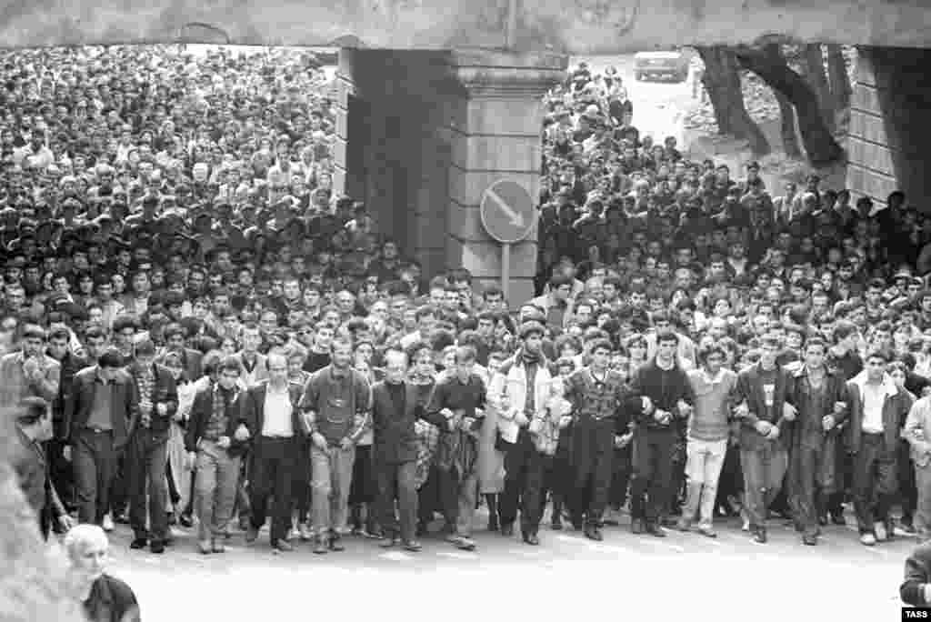 Thousands gather on April 16, 1989, for the funeral of those who died during the crackdown.