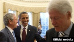 Барак Обама, Жорж Буш жана Билл Клинтон.