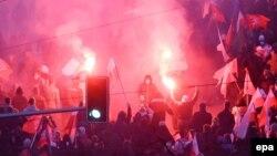 Trazirat në Varshavë, 11 nëntor 2013.