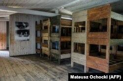Нары в бараке концлагеря Штуттгоф