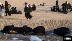 تعدادی از زائران ایرانی مراسم اربعین پس از عبور از مرز شلمچه