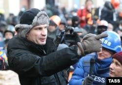 Былтырғы қыс Виталий Кличко Майданда өткізді.Биылғы қыс та оған оңай тиейін деп тұрған жоқ.
