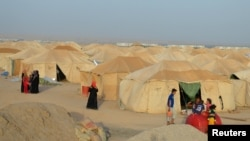 Many displaced people who fled from Fallujah because of Islamic State violence have been living in camps outside the city. (file photo)