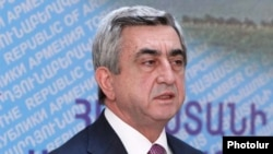 Armenia -- President Serzh Sarkisian speaks at the Armenian Chamber of Commerce and Industry, 26May2011.
