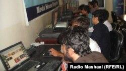 Интернет-кафе в афганском городе Джалалабад, архивное фото.